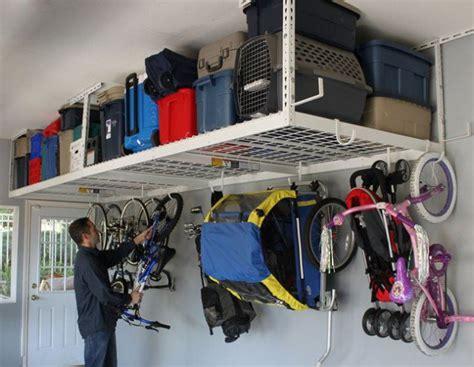 Garage Regal Decke by 15 ไอเด ยการร งสรรค พ นท เก บของ ในห องเก บของและโรงจอด
