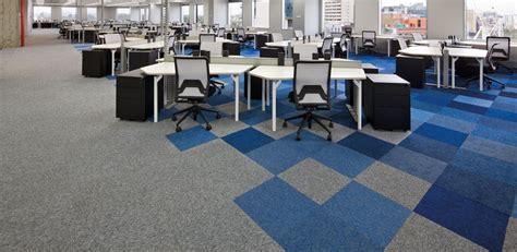 alfombra modular lita serie desso de hunter douglas