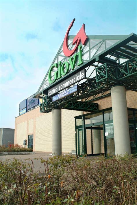 centro commerciale pavia centro commerciale i giovi pavia negozi affitto e vendita