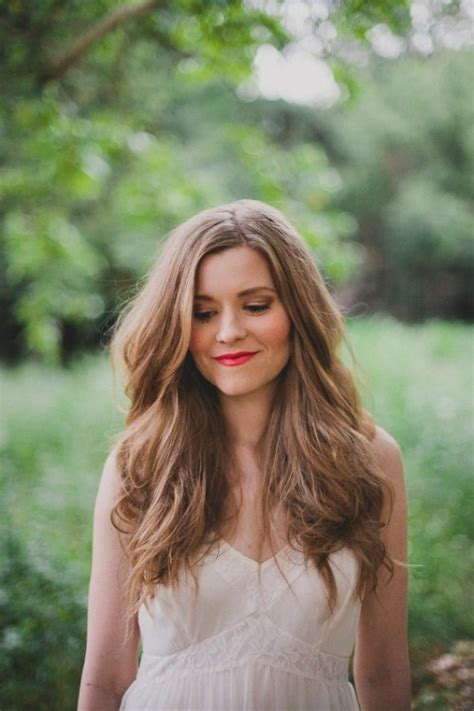 Beachy Waves Wedding Hairstyles by Diy Quot Beachy Quot Waves Summer Wedding Hairstyle Weddingomania