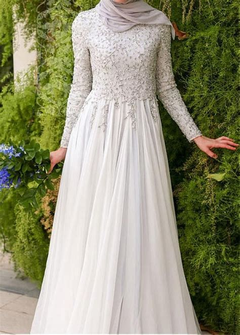 Princess Dress Brokat 25 best ideas about kebaya brokat on brokat kebaya lace and beige dress