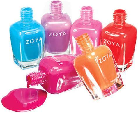 Cat Kuku Zoya 6 produk kosmetik yang aman untuk wanita ciricara