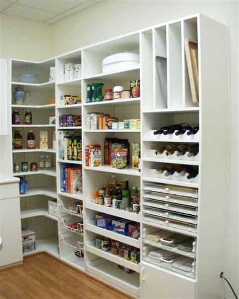 spiżarnia w domu szafy wnękowe i spiżarki w kuchni