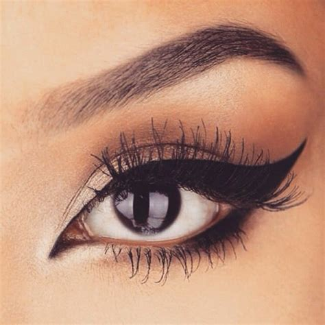 Eyeshadow For Dress makeup tips when you re wearing a black and white dress hum ideas