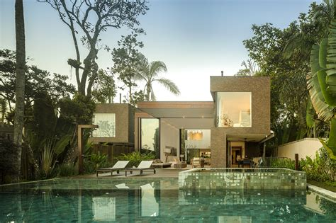 gallery of four houses in baleia studio arthur casas 9