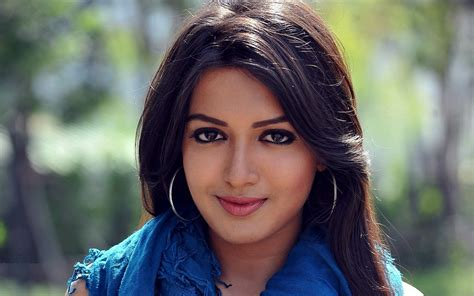 lovely movie heroine photos download catherine lovely tamil actress hd image latest hd wallpapers
