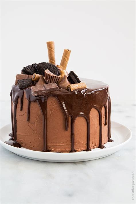 Chocolate Fudge Cake Decoration Ideas by 17 Best Ideas About Chocolate Cake Decorated On