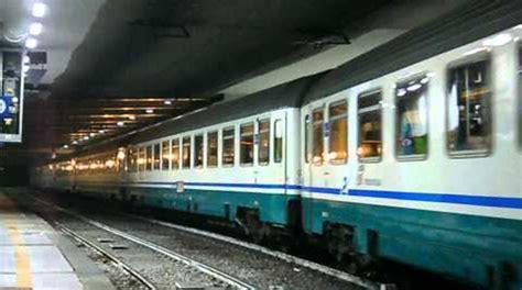 carrozze intercity vibo ultim ora treno intercity riparte dopo un ora di