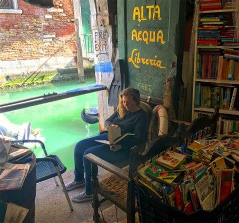 libreria alta libreria acqua alta picture of libreria acqua alta