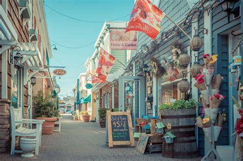 cute towns the 46 best coastal towns in america best beach towns in