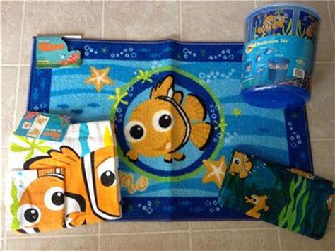nemo rug finding nemo 11 pc set shower curtain towels rug wastebasket soap lotion ebay