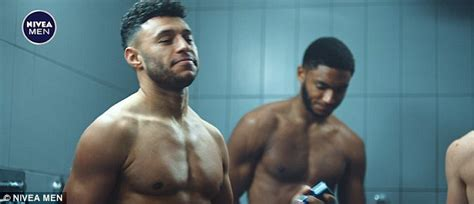 percentage of men in uk who shave body hair alex oxlade chamberlain bares his muscular chest in nivea