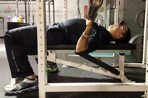 bench press elbows in my 5 least favorite coaching cues robertson training systems