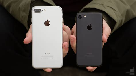 apple iphone    iphone   apples larger handset