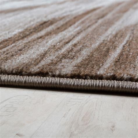 svendita tappeti tappeto di design elegante linee arcuate pelo corto
