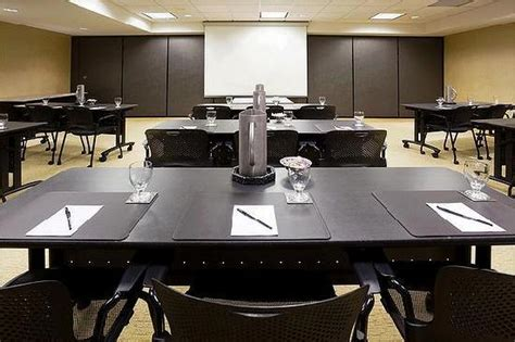 media room setup cost crowne plaza hotel minneapolis airport west bloomington