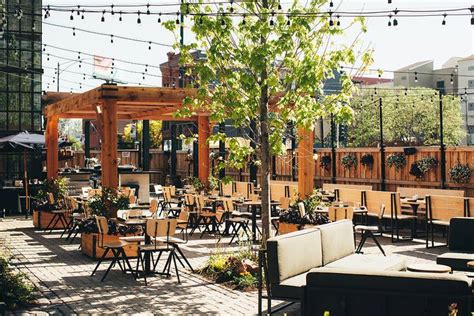 Patio Restaurants Chicago by Outdoor Patio Of The Week The Dawson 730 W Grand Ave