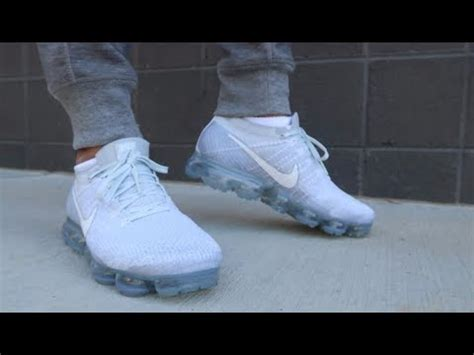 nike air vapormax flyknit sneaker detailed   feet