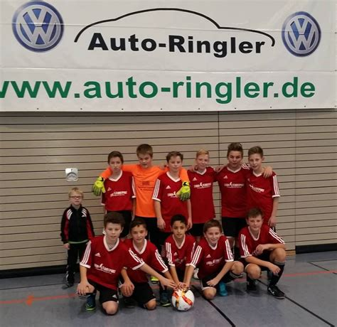 Auto Ringler Pocking by Auto Ringler Cup Sieger Die D Jugend Des Fc Aunkirchen