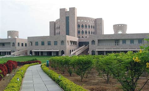 Indian School Of Business Executive Mba by World S Best Schools 2014 Four Indian Institutes In The