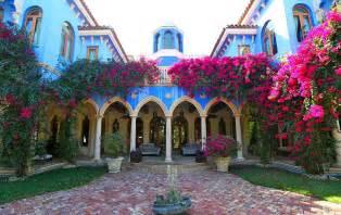 Villa stella in miami beach florida is a exquisitely designed private