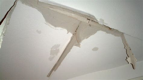 Ceiling Leakage Solution - how to fix water leaking from ceiling ideas by mr right