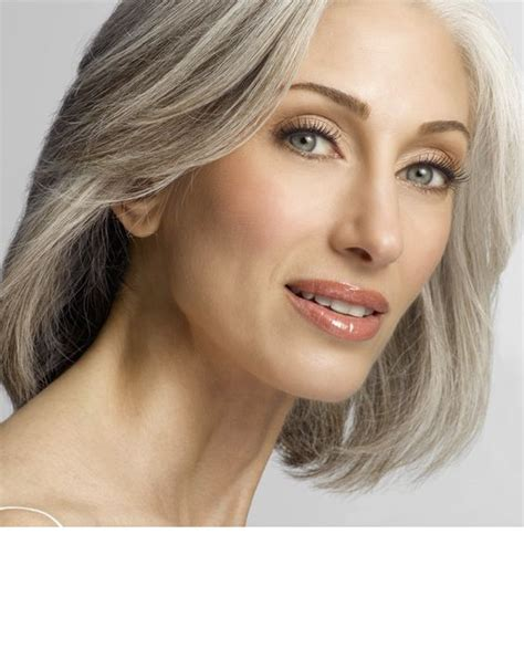 unknown 50 yr old blond women mother of the bride expert eye makeup tips for the wedding