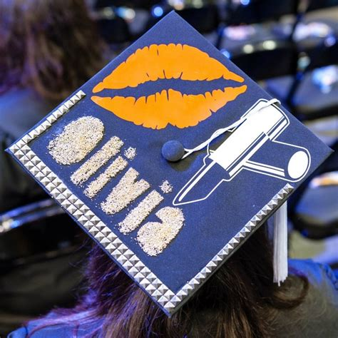 Decorating Mortar Board by 17 Best Images About Fidm Graduation On Grad