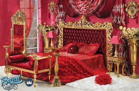 Wallpaper Dinding Klasik Merah Gold Shiny kamar tidur pengantin merah mewah terbaru style royal furniture indonesia