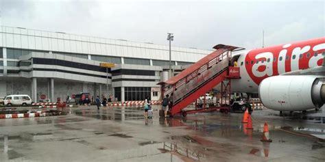 airasia sering delay mengapa garbarata tak dipakai di terminal 3 bandara