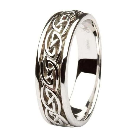 gents gold wedding ring celtic knot design
