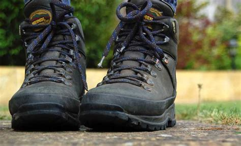review meindl bhutan mfs walking boots cool of the