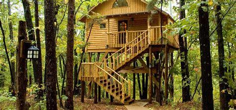 bungalow treehouse eureka springs treehouses treehouse