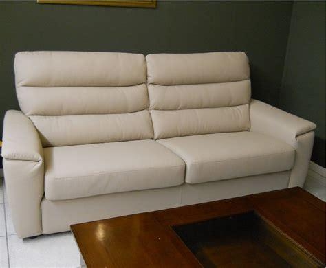 rosini divani outlet divano rosini moderno in pelle scontato 49 divani