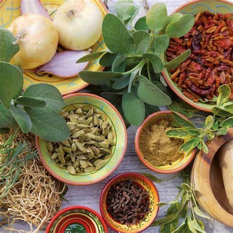 Spices Calendars Herbs Spices 2017 Wall Calendar 9783960130543