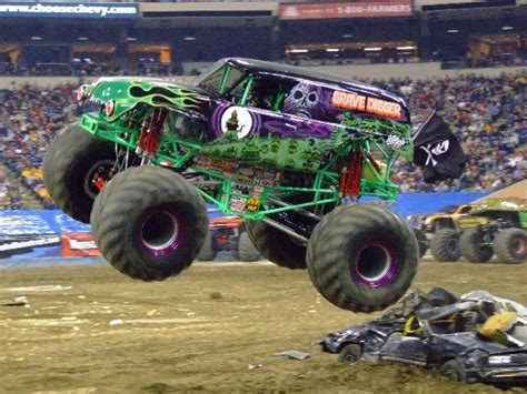grave digger truck wiki grave digger 16 trucks wiki fandom powered by
