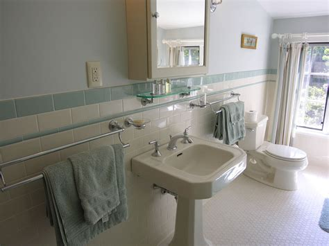 pedestal sink bathroom design ideas small bathroom pedestal sink small bathroom part 8 with