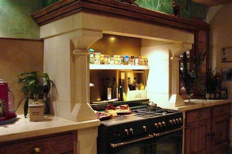 cuisine chemin馥 cuisine avec piano cuisine piano de cuisine avec orange