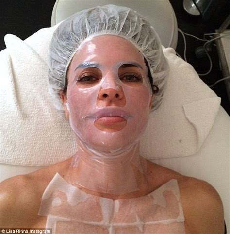 does lisa rinna wear a wig is lisa rinna bald lisa rinna boasts about results of advanced facial daily mail online
