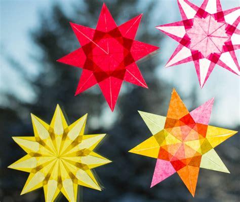 fensterbilder weihnachten sterne basteln fensterbilder zu weihnachten ideen mit transparentpapier