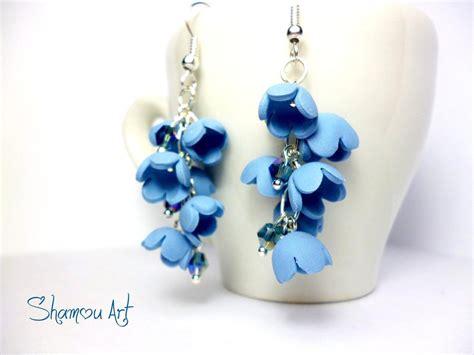 fiori con il fimo orecchini artigianali fimo con fiori a canella azzurri