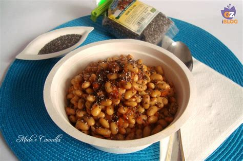alimenti con la soia soia gialla in umido con semi di chia miele e cannella