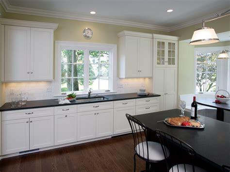 heritage shaker white cabinets u haul self storage white shaker cabinets