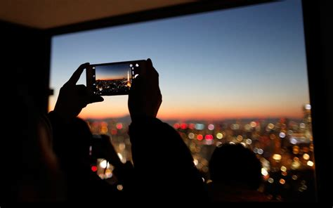 taking pictures how to take a travel photo on your smart phone travel