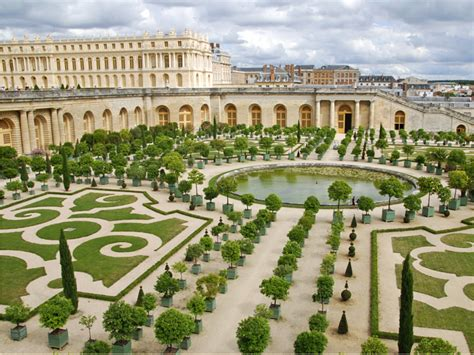 giardini versailles alain ducasse to open a luxury hotel and restaurant at