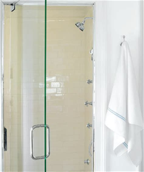 Clean Shower Door Removing Soap Scum From The Shower Aqualux Carpet Cleaningaqualux Carpet Cleaning