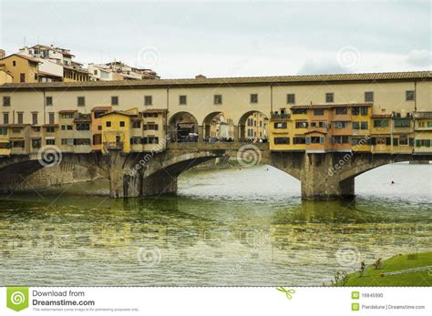 houses over water on ponte vecchio florence italy stock photo royalty free image 74147998 alamy ponte vecchio bridge stock photo image 16845990