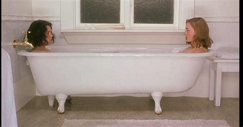 Bathtub Picture by Ba 241 Eras En El Cine Criaturas Celestiales Heavenly Creatures