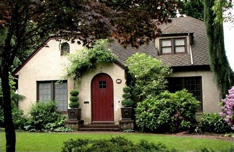 Difference Between Townhouse And House by What Is The Difference Between A Bungalow A Villa A