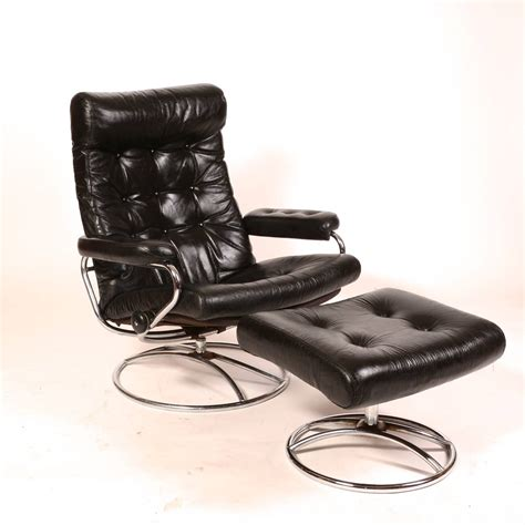 Recliner Lounge Chair And Ottoman by Reclining Stressless Lounge Chair And Ottoman By Ekornes